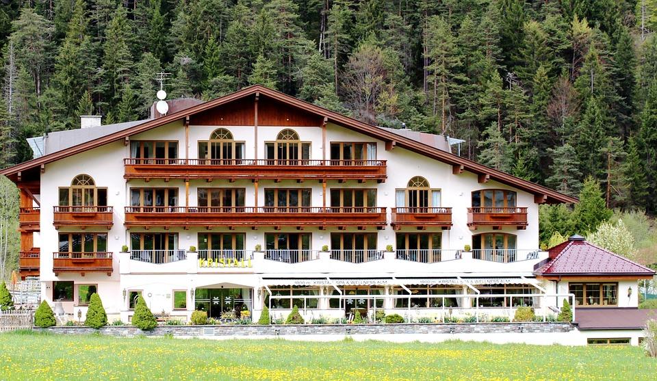 infrapanely smodern - vykurovanie hotelov apenzionov výhody aporovnanie